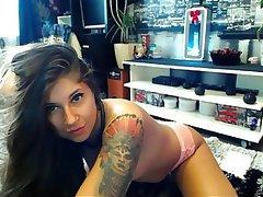 Amateur MILF Small Tits Webcam