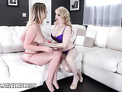 Big Boobs Kissing Lesbian Pornstar