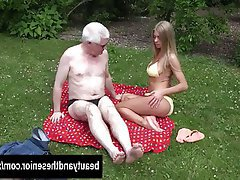 Blonde Blowjob Hardcore Old and Young Outdoor
